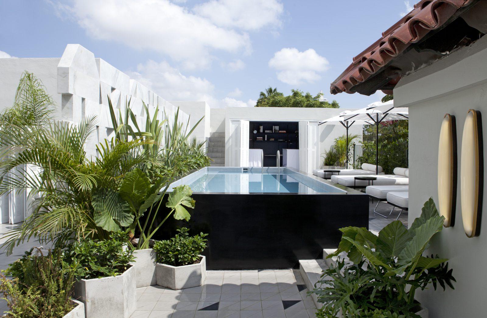 Guadalajara 39 s new delight casa fayette inmexico for Terrazas con alberca
